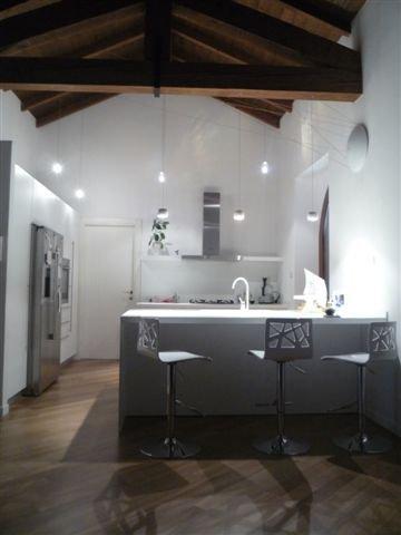 Forum scelta luci cucina e soggiorno con for Cucina di esposizione svendite